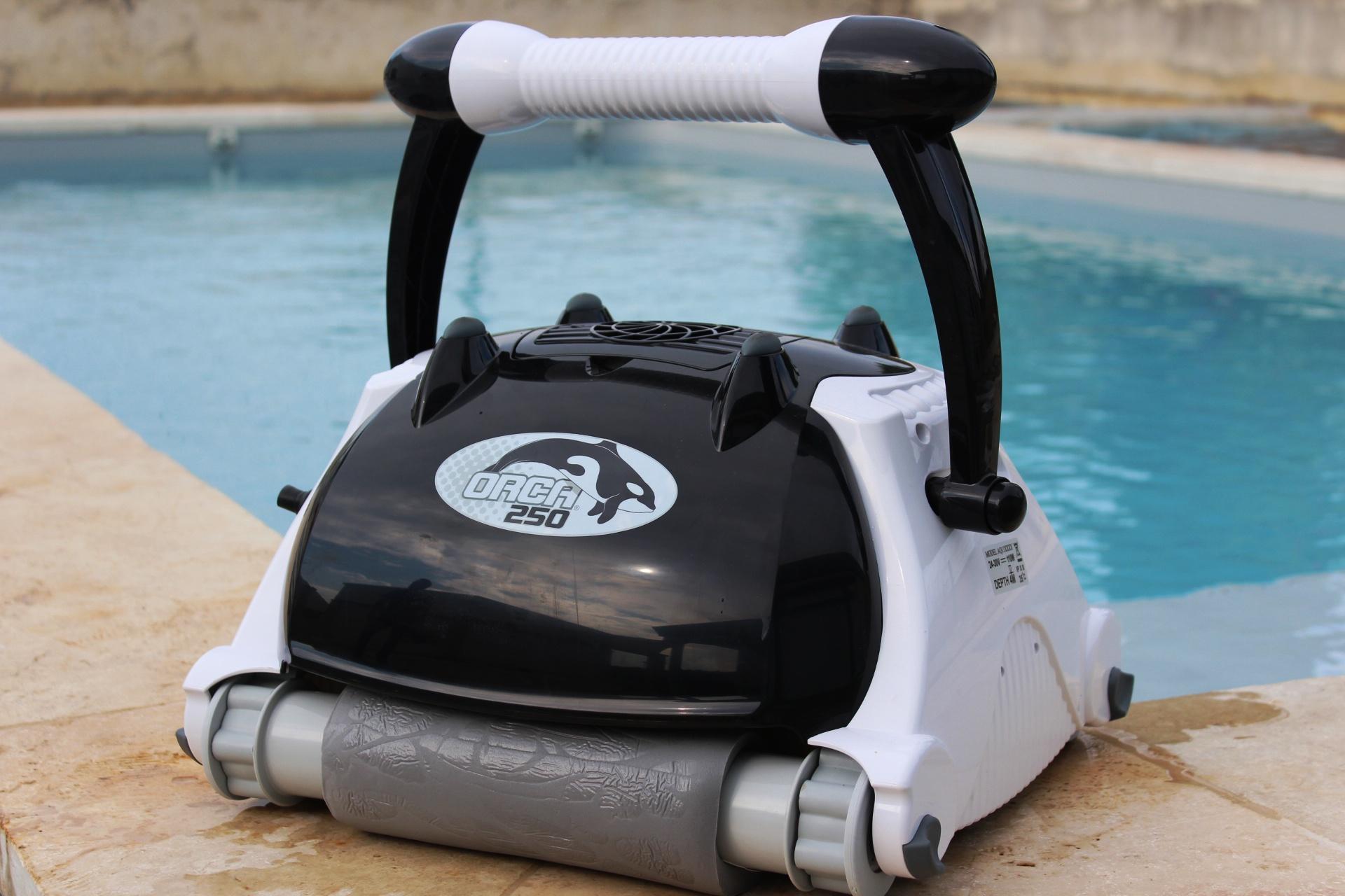 robot pour piscine enterr e orca. Black Bedroom Furniture Sets. Home Design Ideas