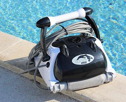Robot piscine nettoyage fond parois et ligne d'eau, orca 250